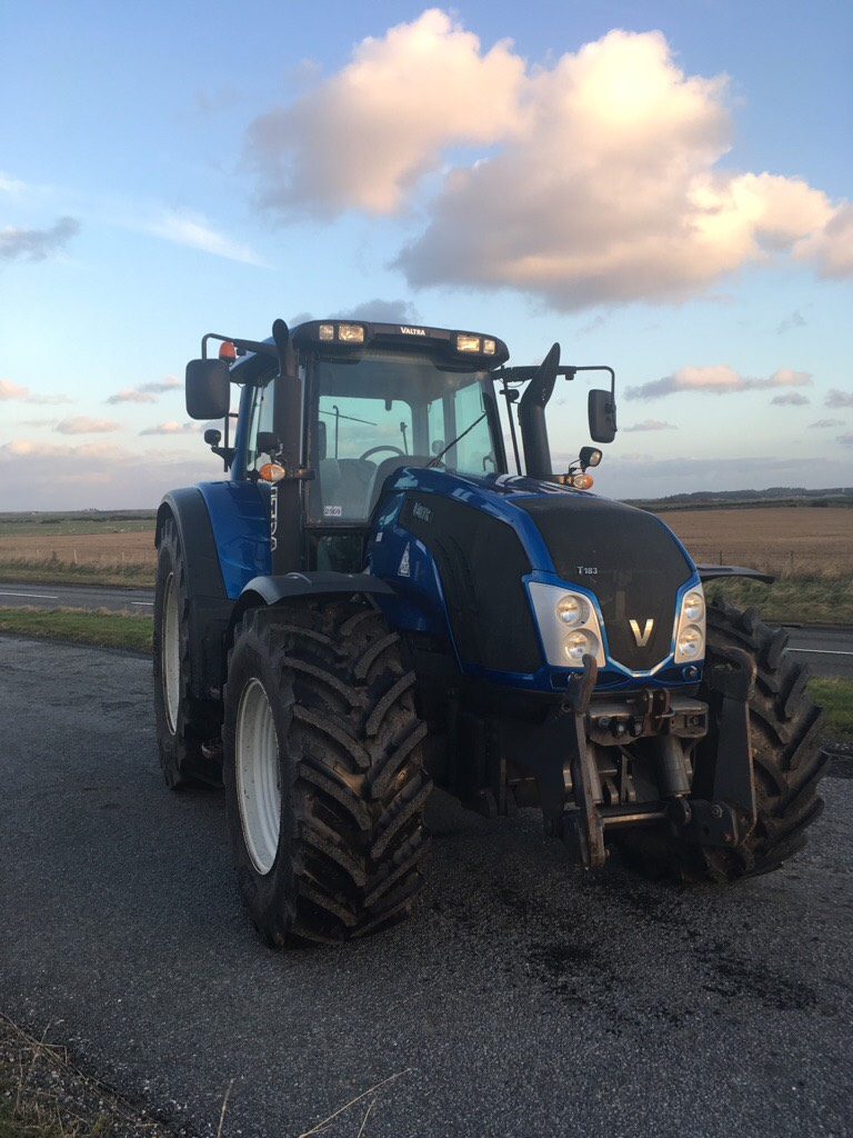 VALTRA T183 4WD TRACTOR