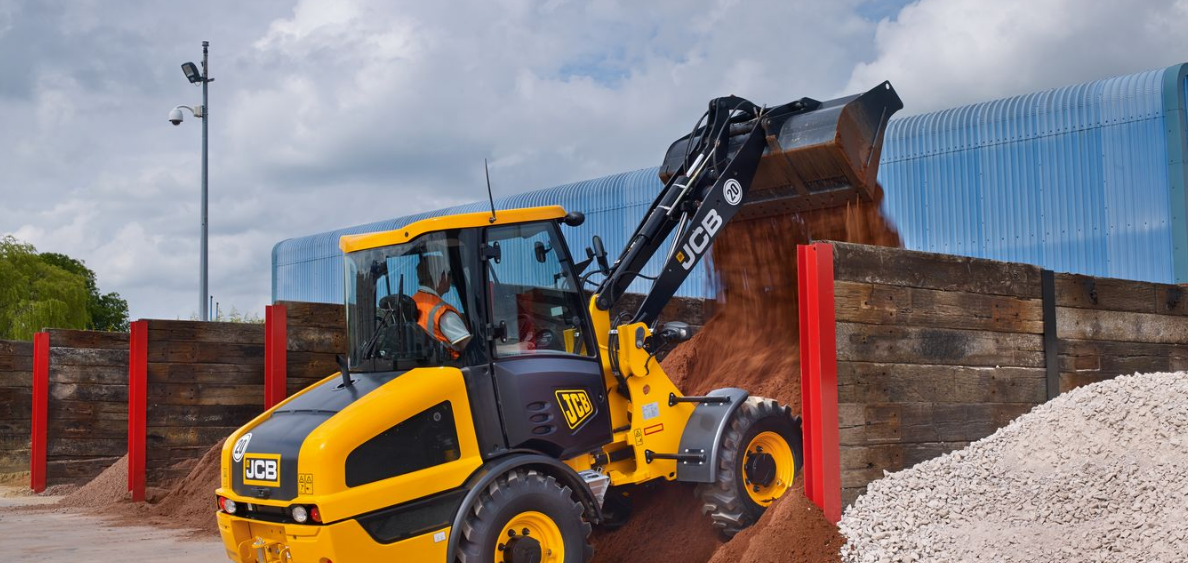 JCB 406 Wheel Loader in action